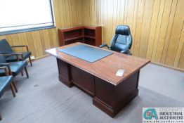 (LOT) EXECUTIVE OFFICE INCLUDING DESK, CREDENZA, TABLE, (2) BOOKSHELVES, (3) FILE CABINETS, (5)