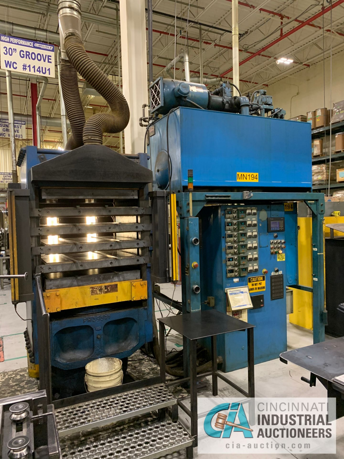 "Lot 14 - 32"" 5-PLATTEN HEATED PRESS **RIGGING FEE DUE TO SHOEMAKER $2,250.00**"