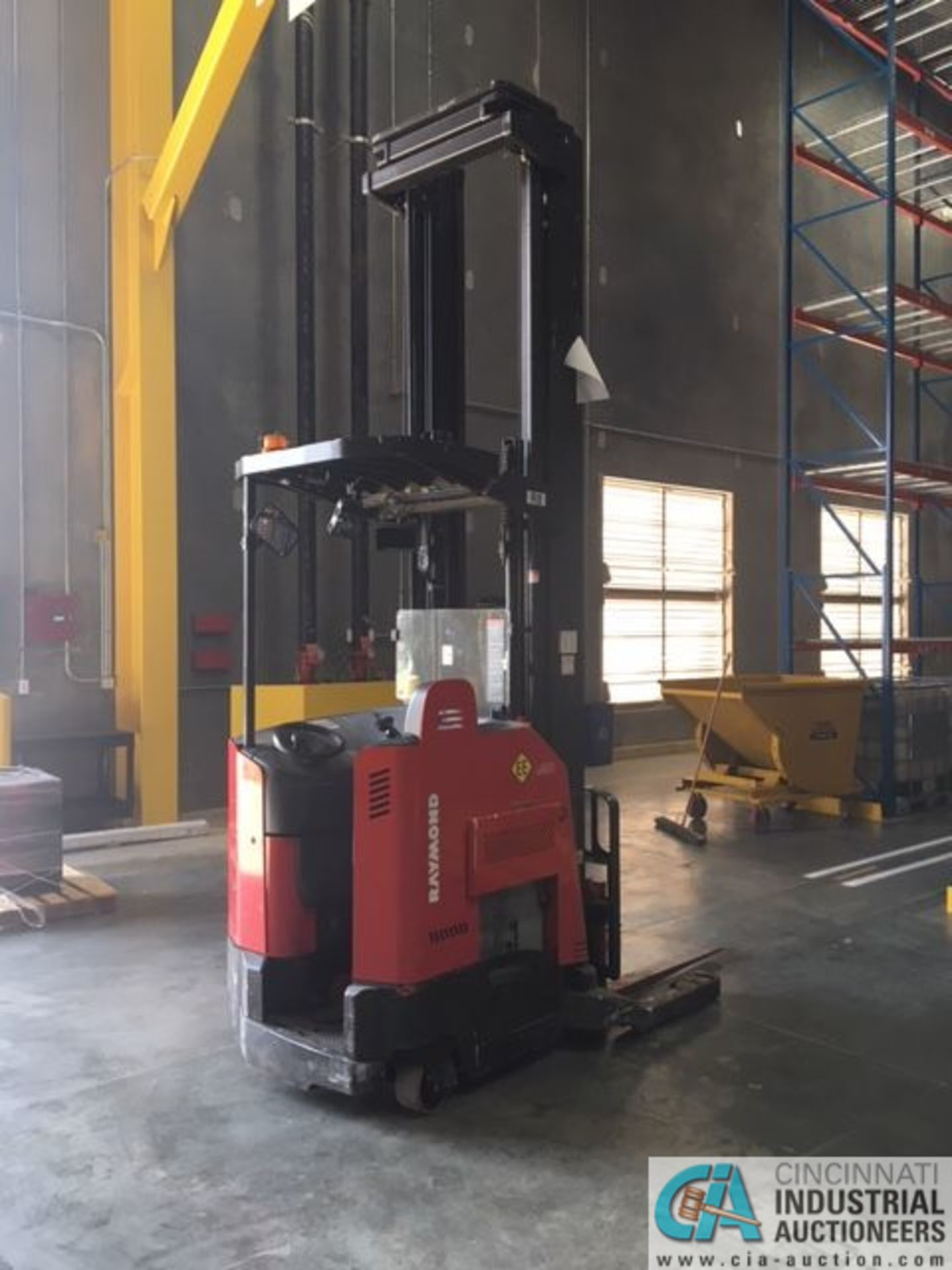 RAYMOND MODEL 750-R45TT ELECTRIC REACH TRUCK; S/N 750-15-BC47246, 36-VOLT BATTERY CHARGER, 36-VOLT - Image 6 of 9