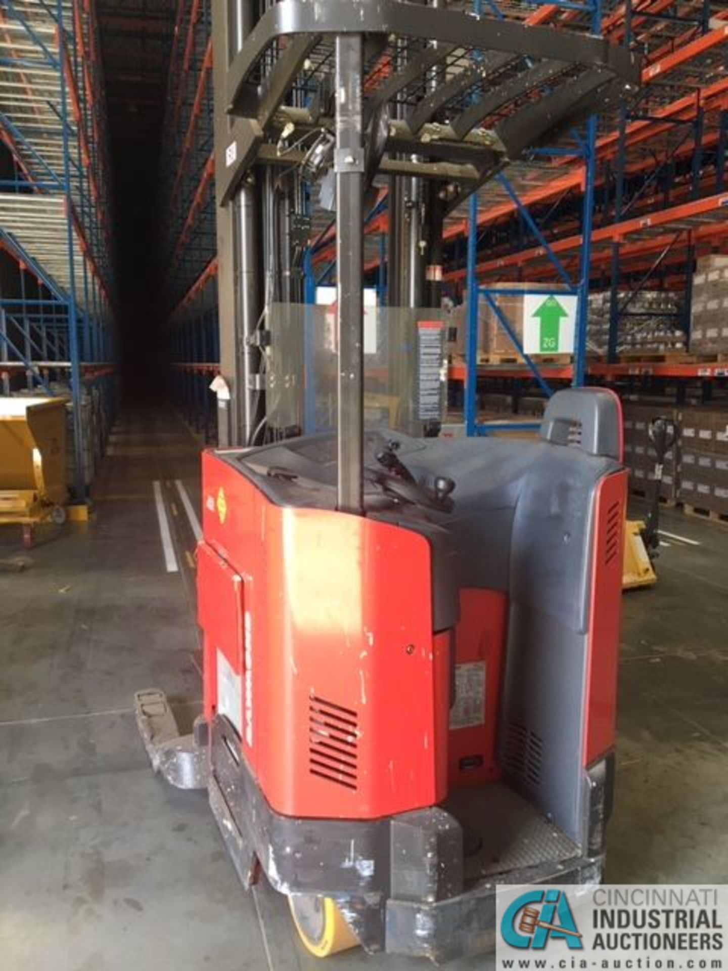 RAYMOND MODEL 750-R45TT ELECTRIC REACH TRUCK; S/N 750-15-BC47246, 36-VOLT BATTERY CHARGER, 36-VOLT - Image 2 of 9