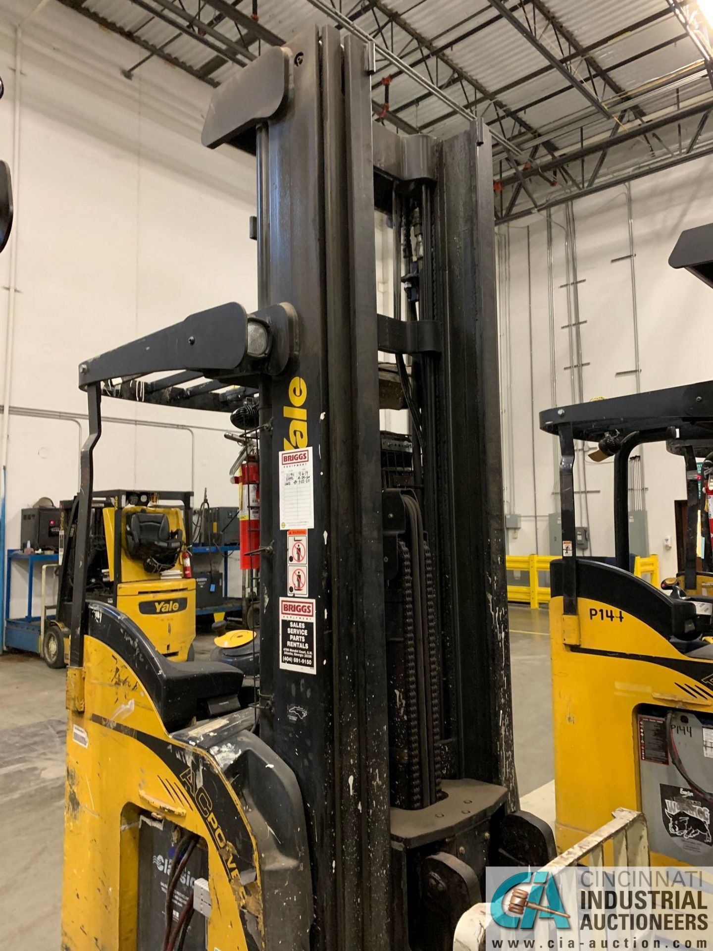 """4,500 LB. YALE MODEL NR045EANS36TE119 ELECTRIC REACH TRUCK; S/N C861N01987E, 272"""" MAX LIFT HEIGHT, - Image 7 of 9"""