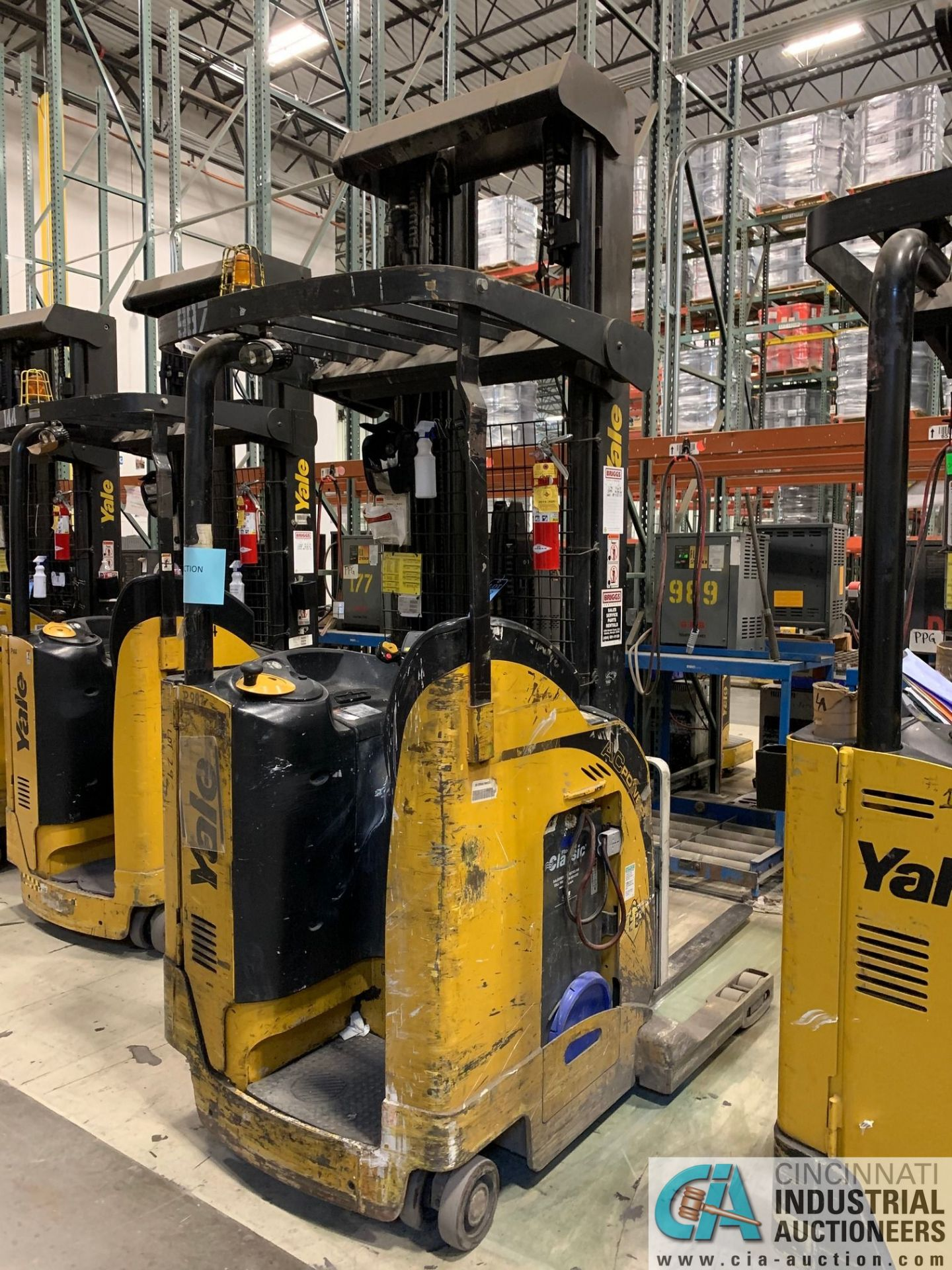 """4,500 LB. YALE MODEL NR045EANS36TE119 ELECTRIC REACH TRUCK; S/N C861N01987E, 272"""" MAX LIFT HEIGHT, - Image 2 of 9"""