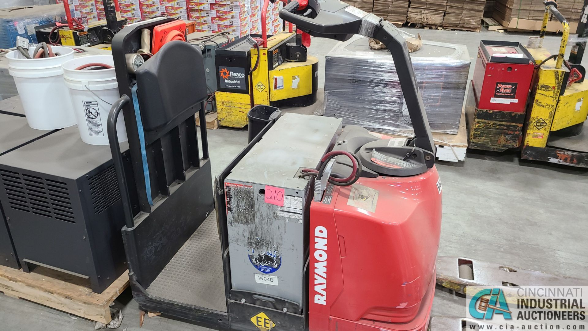 RAYMOND MODEL 8510 ELECTRIC PALLET TRUCK; S/N 851-15-11752, W/ BATTERY, HOURS N/A (NEW 2015) (2570 - Image 3 of 4
