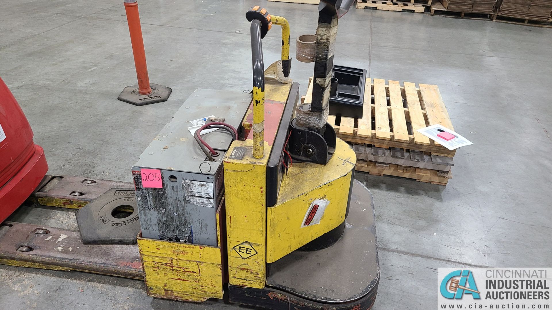 PRIME MODEL HMX65 ELECTRIC PALLET TRUCK; S/N HMX6536194001, W/ BATTERY, 4917 HOURS (2570 ORCHARD - Image 2 of 4