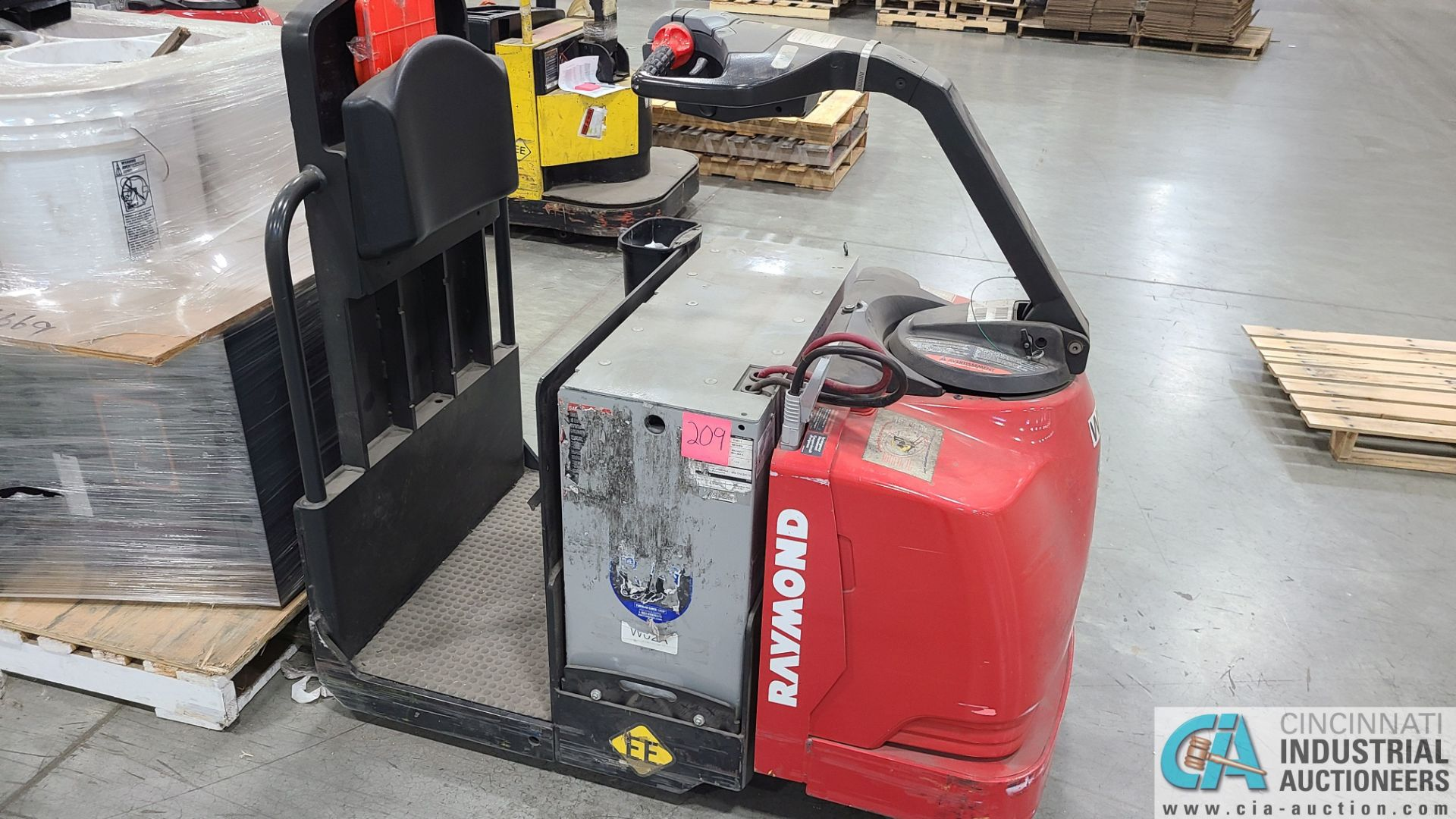 RAYMOND MODEL 8510 ELECTRIC PALLET TRUCK; S/N 851-15-11748, W/ BATTERY, HOURS N/A (NEW 2015) (2570 - Image 3 of 4