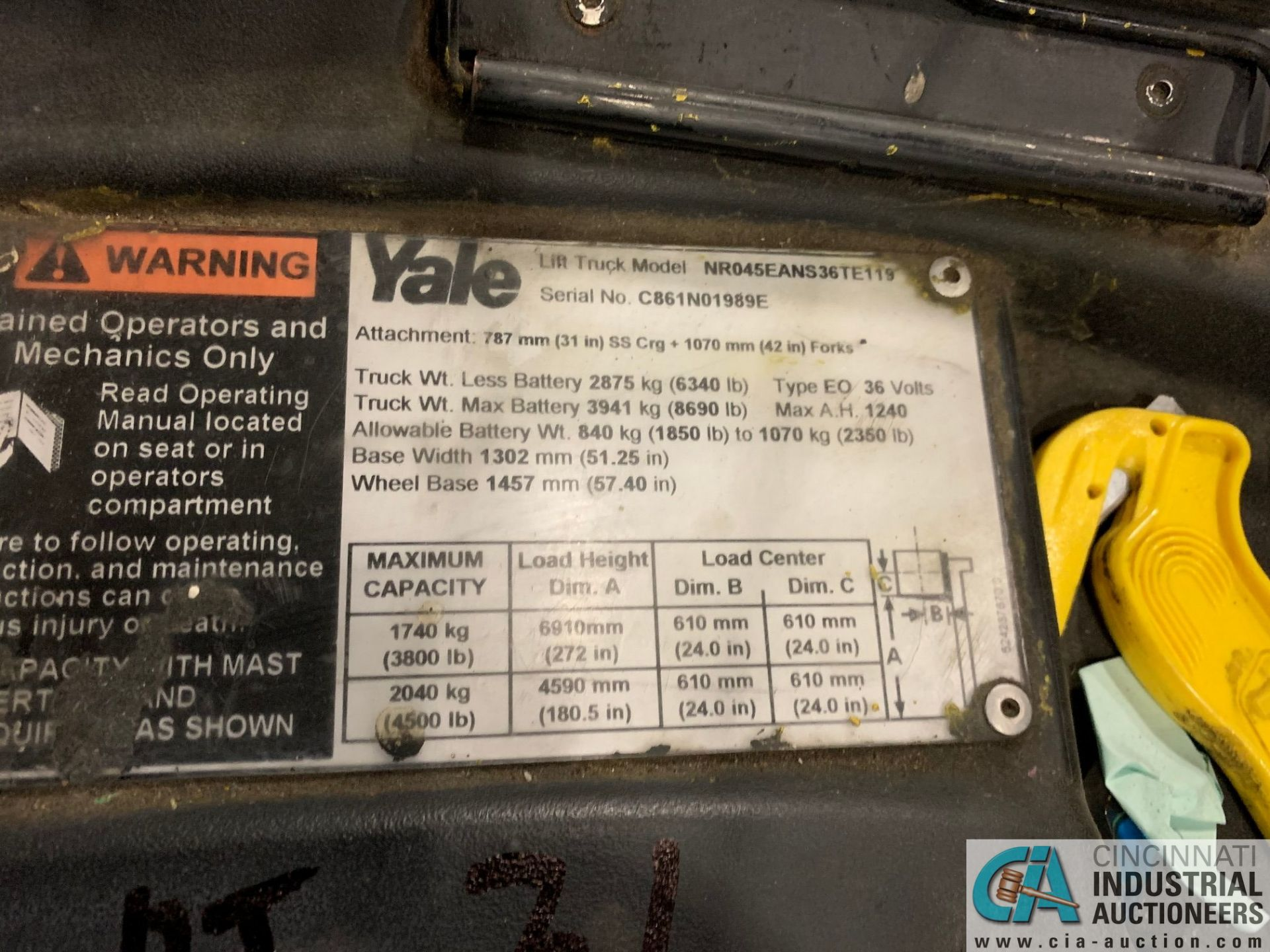 "4,500 LB. YALE MODEL NR045EANS36TE119 ELECTRIC REACH TRUCK; S/N C861N01989E, 272"" MAX LIFT HEIGHT, - Image 2 of 8"