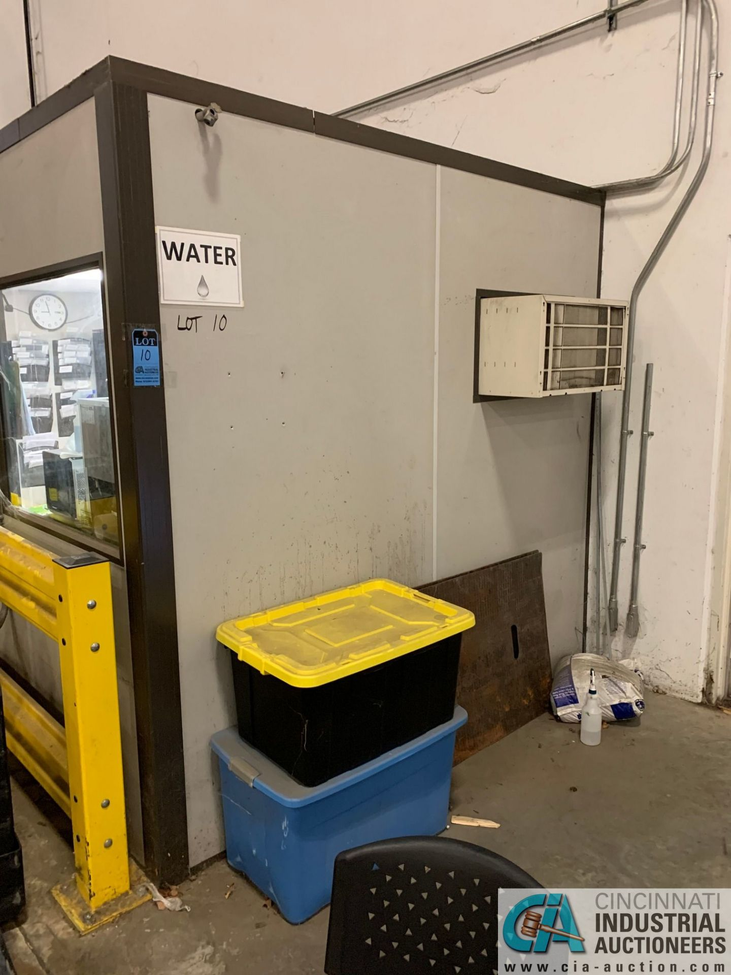 """208 SQ FT. MODULAR OFFICE #1 (PENSKE); 8' X 26' INSIDE, 98"""" OUTSIDE HEIGHT (NO CONTENTS) (5400 - Image 2 of 10"""