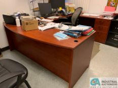 U-SHAPED EXECUTIVE DESK W/ OVERHEAD CREDENZA (NO CONTENTS) (5400 OAKLEY INDUSTRIAL BLVD.,