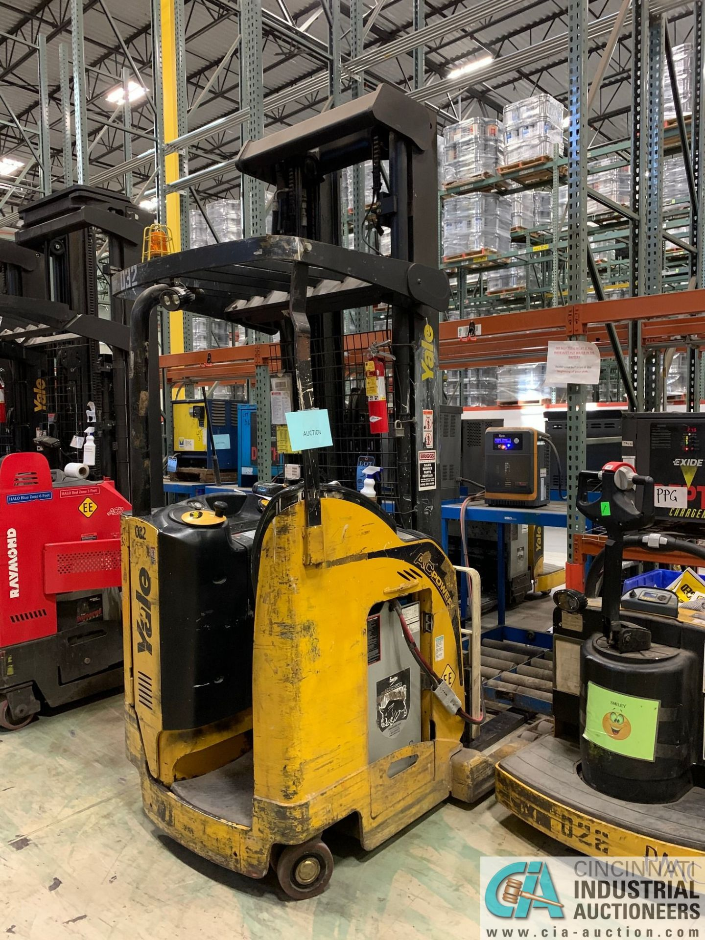 """4,500 LB. YALE MODEL NR045EANS36TE119 ELECTRIC REACH TRUCK; S/N C861N02032E, 272"""" MAX LIFT HEIGHT, - Image 2 of 7"""
