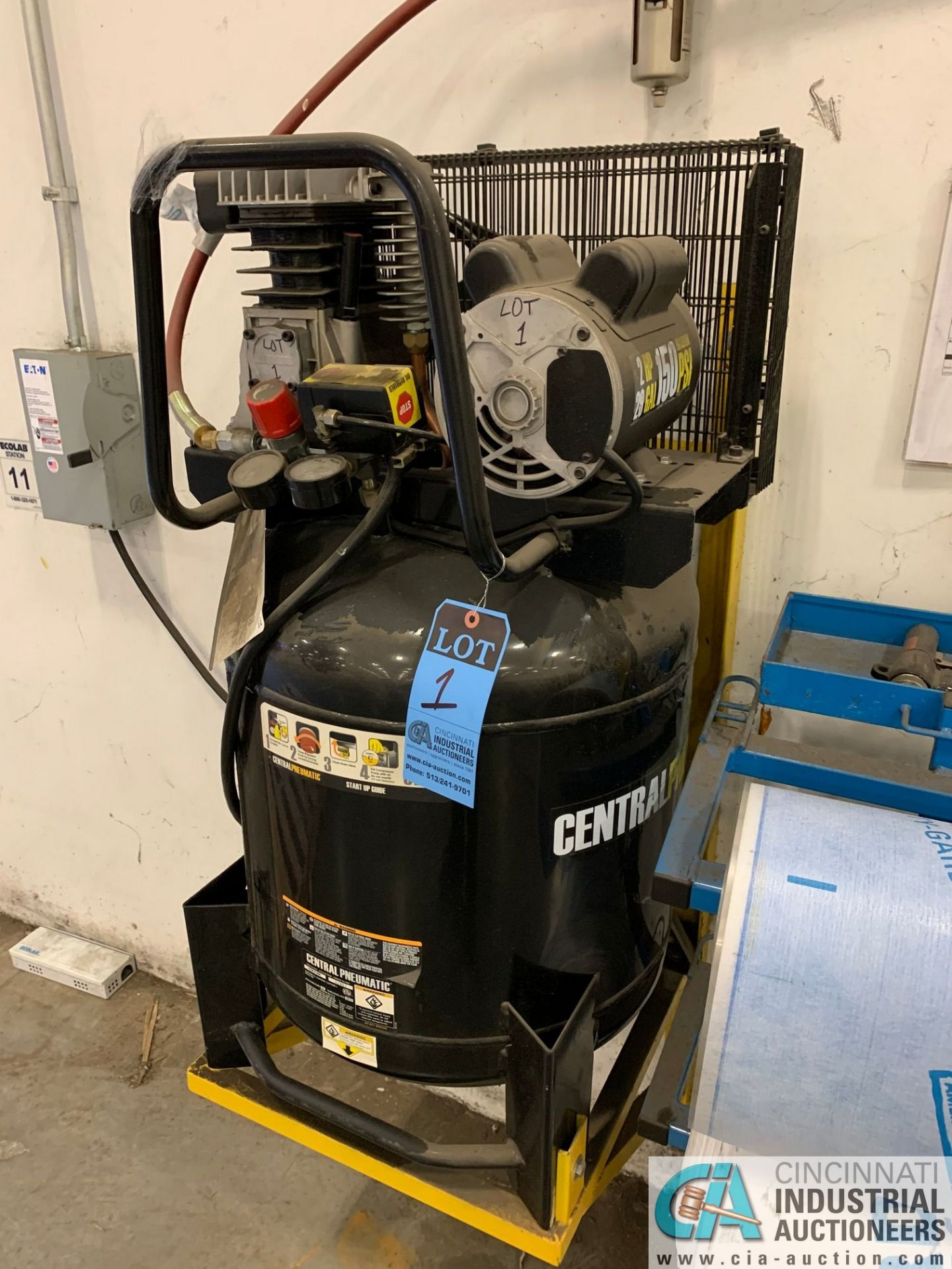 2-HP CENTRAL PNEUMATIC ITEM 61489 AIR COMPRESSOR; S/N 02957, 29-GALLON TANK, 150 MAX PSI (2015) (