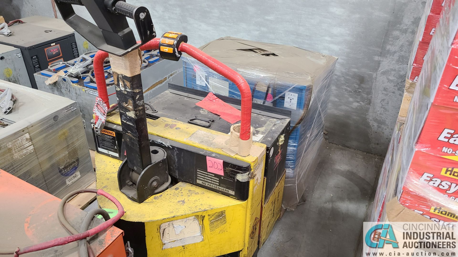 PRIME MODEL HMX65 ELECTRIC PALLET TRUCK; S/N HMX6531038002, W/ BATTERY, 642 HOURS (2570 ORCHARD
