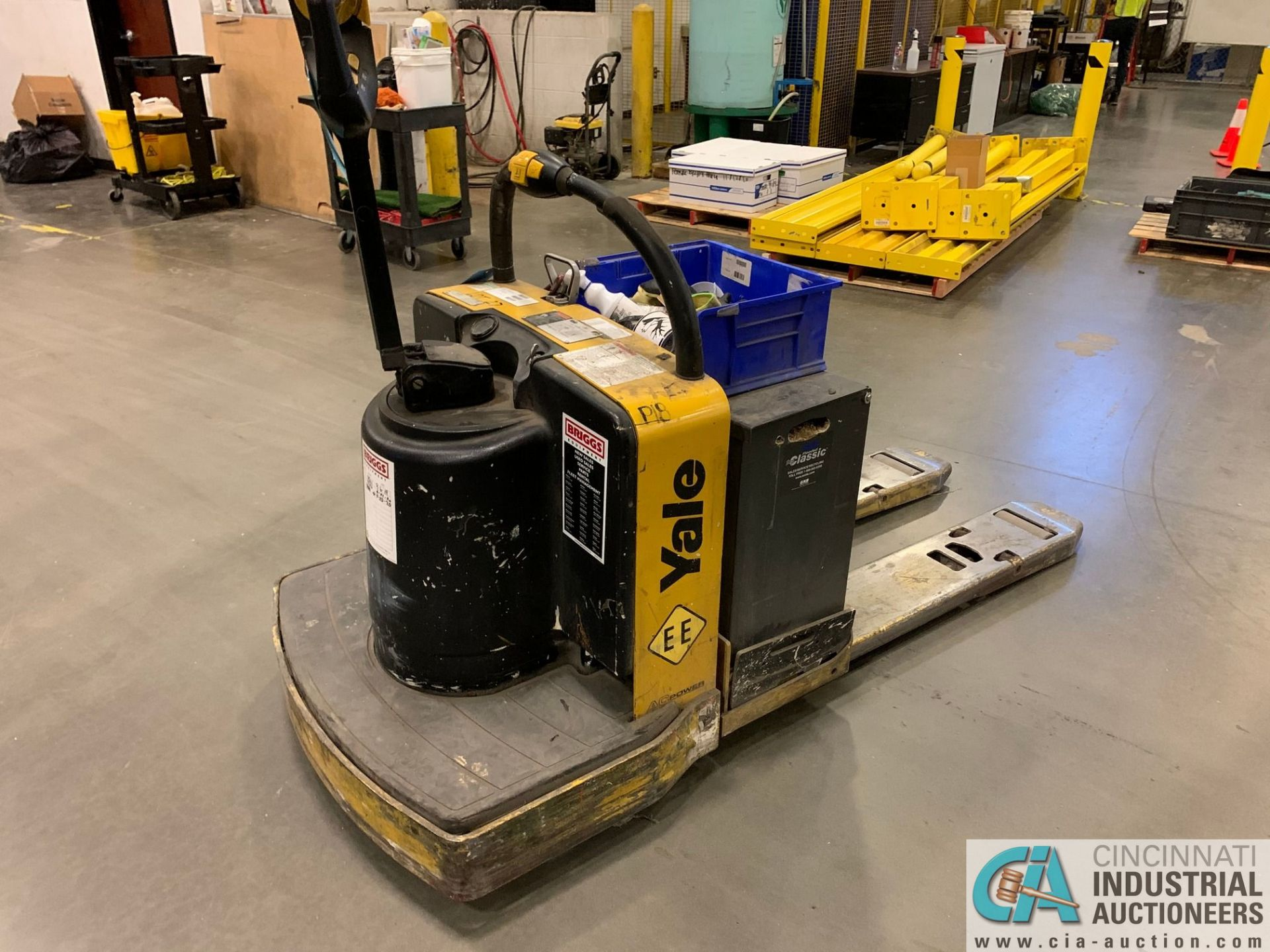 "8,000 LB. YALE MODEL MPE080LFN24T2742 ELECTRIC PALLET TRUCK; S/N B890N02210F, 42"" FORKS, W/ 24- - Image 4 of 5"