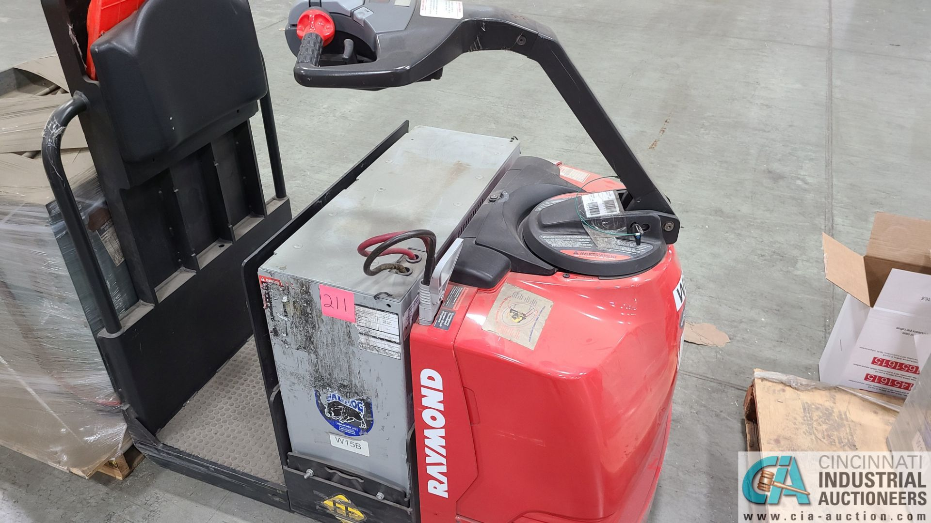 RAYMOND MODEL 8510 ELECTRIC PALLET TRUCK; S/N 851-15-11742, W/ BATTERY, HOURS N/A (NEW 2015) (2570 - Image 3 of 4