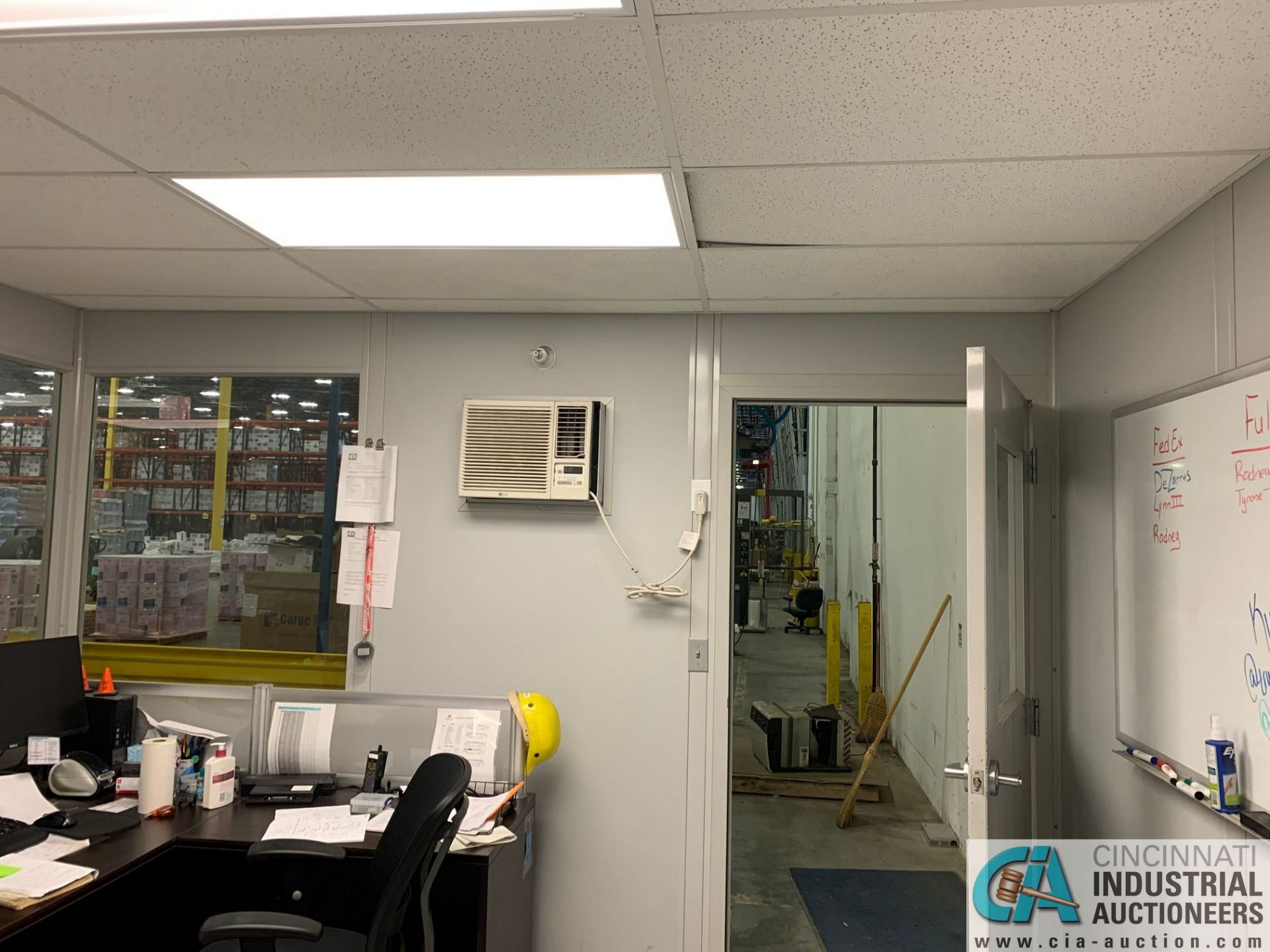 """192 SQ. FT. MODULAR OFFICE #2 (INTERNATIONAL); 12' X 16' INSIDE, 110"""" OUTSIDE HEIGHT (NO CONTENTS ( - Image 6 of 11"""