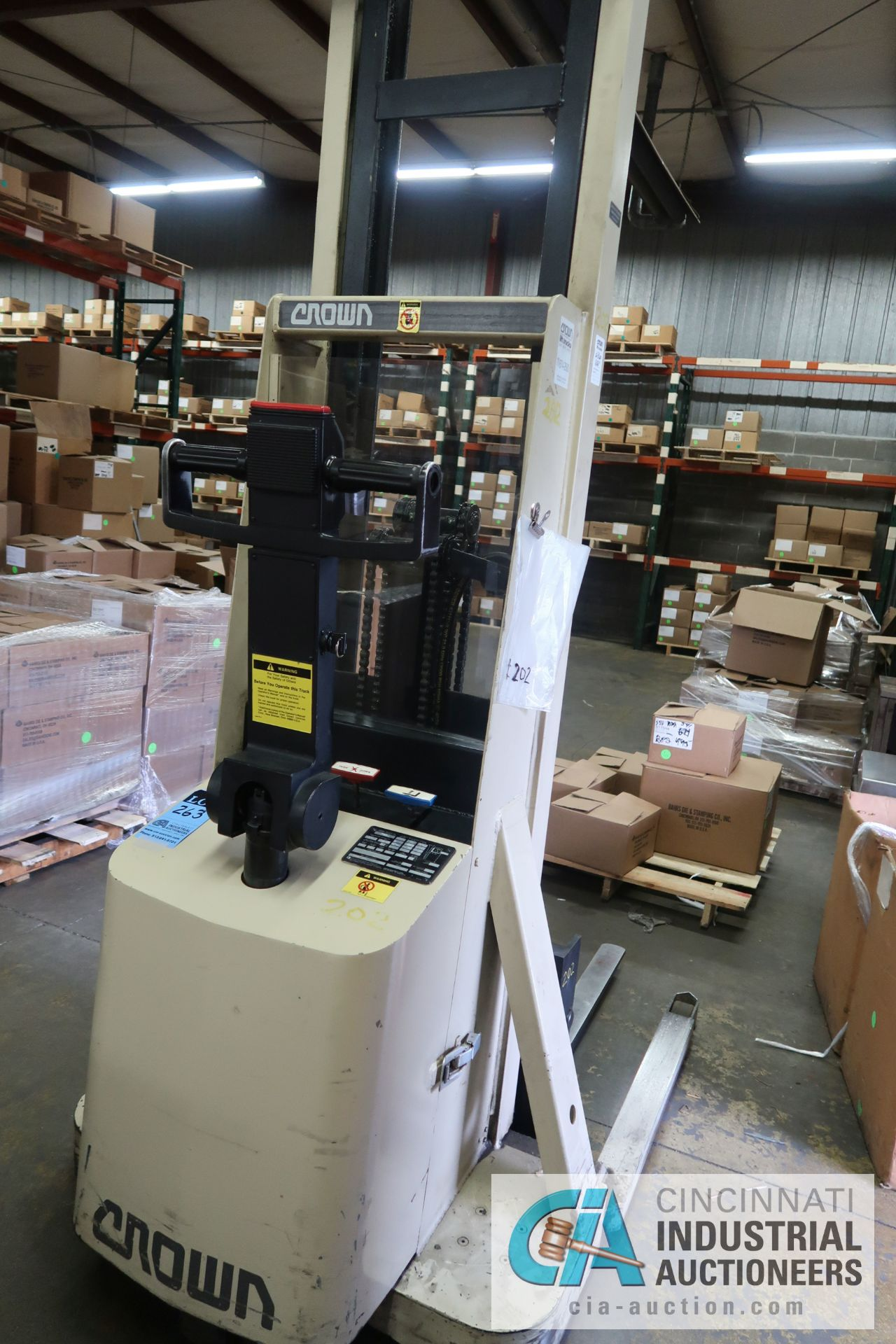 2,000 LB. CAPACITY CROWN MODEL 20MT ELECTRIC WALK BEHIND ELECTRIC STACKER; S/N 1A132307, 24 VOLT, - Image 4 of 5