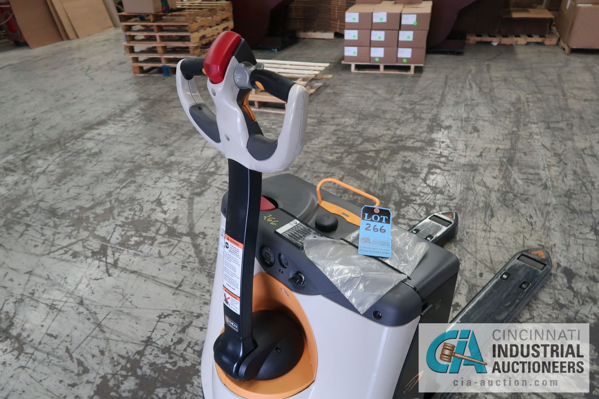2,000 LB. CROWN MODEL WP3035-45 ELECTRIC WALK BEHIND PALLET TRUCK; S/N 7A291635, WITH BUILT IN - Image 4 of 6