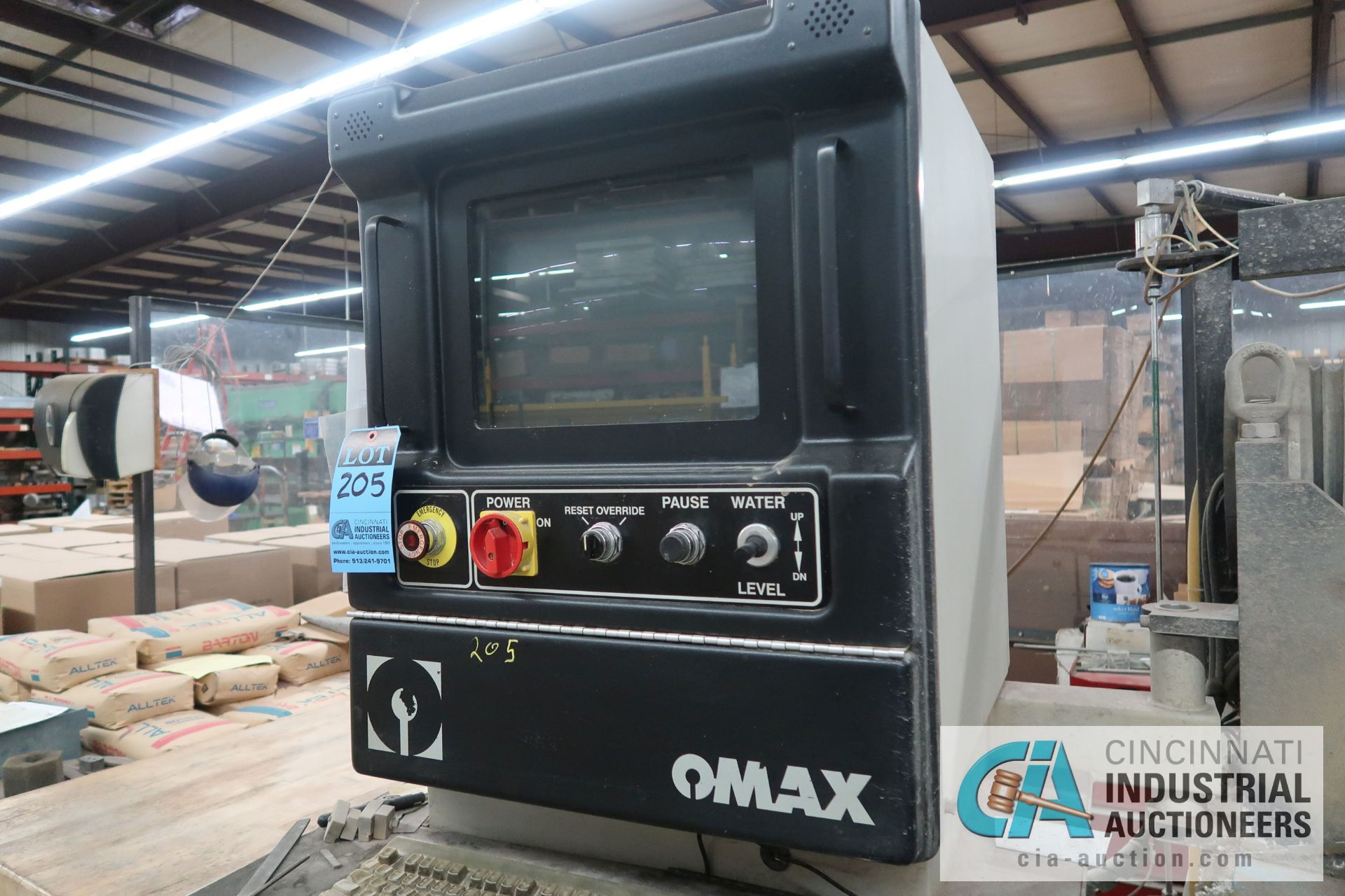 "26"" X 52"" OMAX MODEL 2652 WATERJET CUTTING MACHINE; S/N A511714, 50,000 PSI PUMP UNIT, 36"" X 63"" - Image 4 of 8"