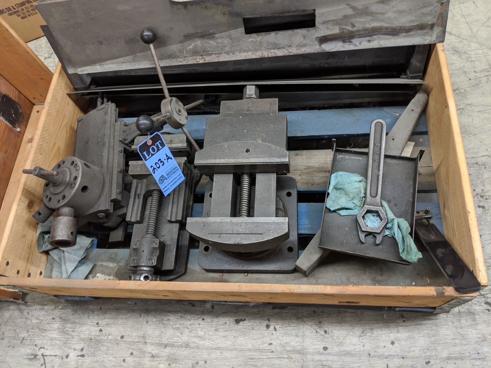 (LOT) MACHINE ACCESSORES IN CRATE - Image 2 of 3