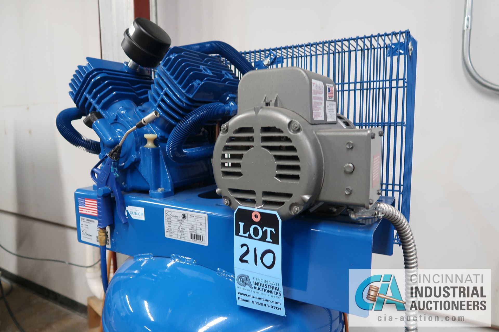 5 HP QUINCY VERTICAL TANK MOUNTED AIR COMPRESSOR - Image 2 of 5