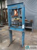 30 TON NORTH AMERICAN TOOL H-FRAME HYDRUALIC PRESS