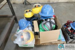 (LOT) MISCELLANEOUS SAFETY GEAR INCLUDING HELMETS, GLOVES, JACKETS, CLEAN SUITS, HARNESSES