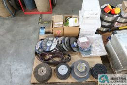 (LOT) GRINDING WHEELS AND GRINDING MATERIAL