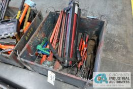 (LOT) CHAIN WRENCHES, BOLT CUTTERS, LIGHT TRIPOD, MISCELLANEOUS TOOLS