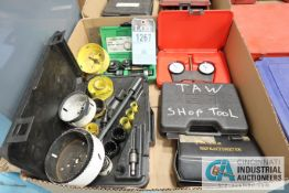 (LOT) GREENLESS 735BB KNOCK OUT SET, REFRACTOMETER, HOLS SAW KIT, SPI DIAL GAGE, TOOL KIT
