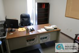 (LOT) CONTENTS OF OFFICE INCLUDING (2) DESKS, BOOKSHELF, (3) CHAIRS, FILE CABINET **NOTHING ATTACHED