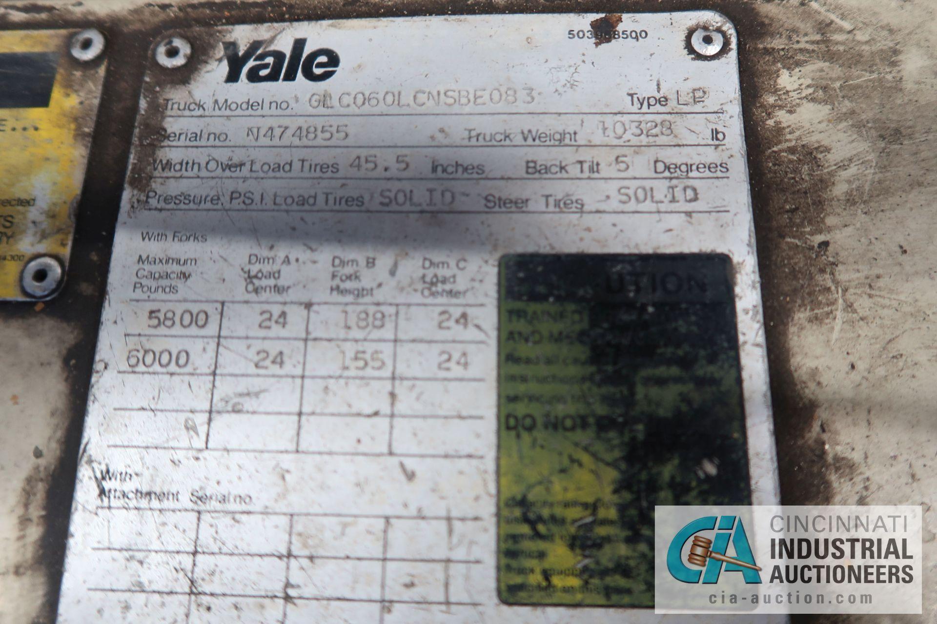 6,000 LB. YALE MODEL GLC060LCNSBE083 LP GAS SOLID TIRE THREE-STAGE MAST LIFT TRUCK; S/N N474855, - Image 7 of 7
