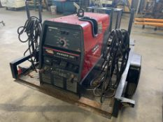 250 AMP LINCOLN ELECTRIC RANGER 250 TRAILER MOUNTED WELDING POWER SOURCE; S/N U1020619592