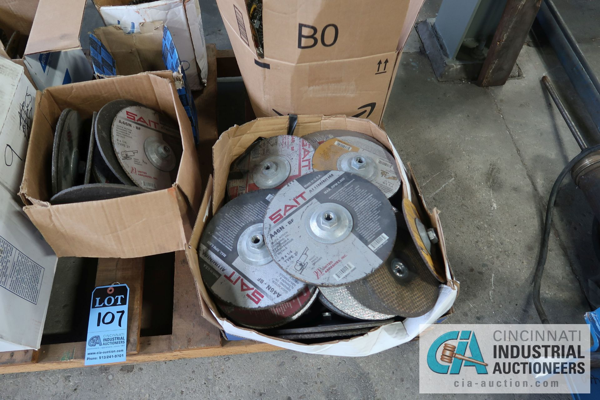 """SKID MISCELLANEOUS NEW AND USED 9"""" AND 6"""" ABRASIVE GRINDING WHEELS WITH 4"""" WIRE WHEELS - Image 2 of 5"""