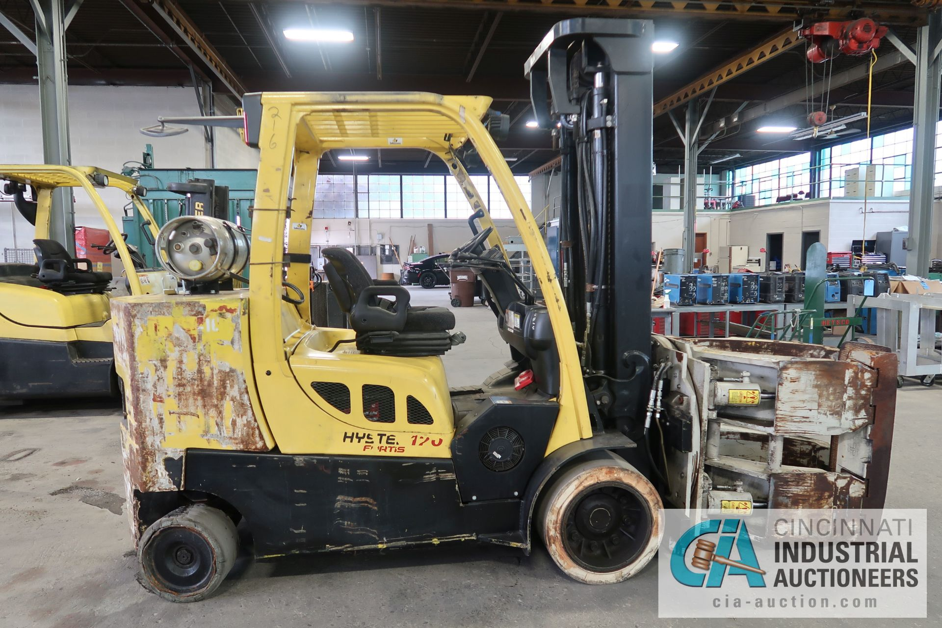 12,000 LB. HYSTER MODEL S120FT-PRS LP GAS CUSION TIRE THREE-STAGE MAST LIFT TRUCK; S/N - Image 3 of 12