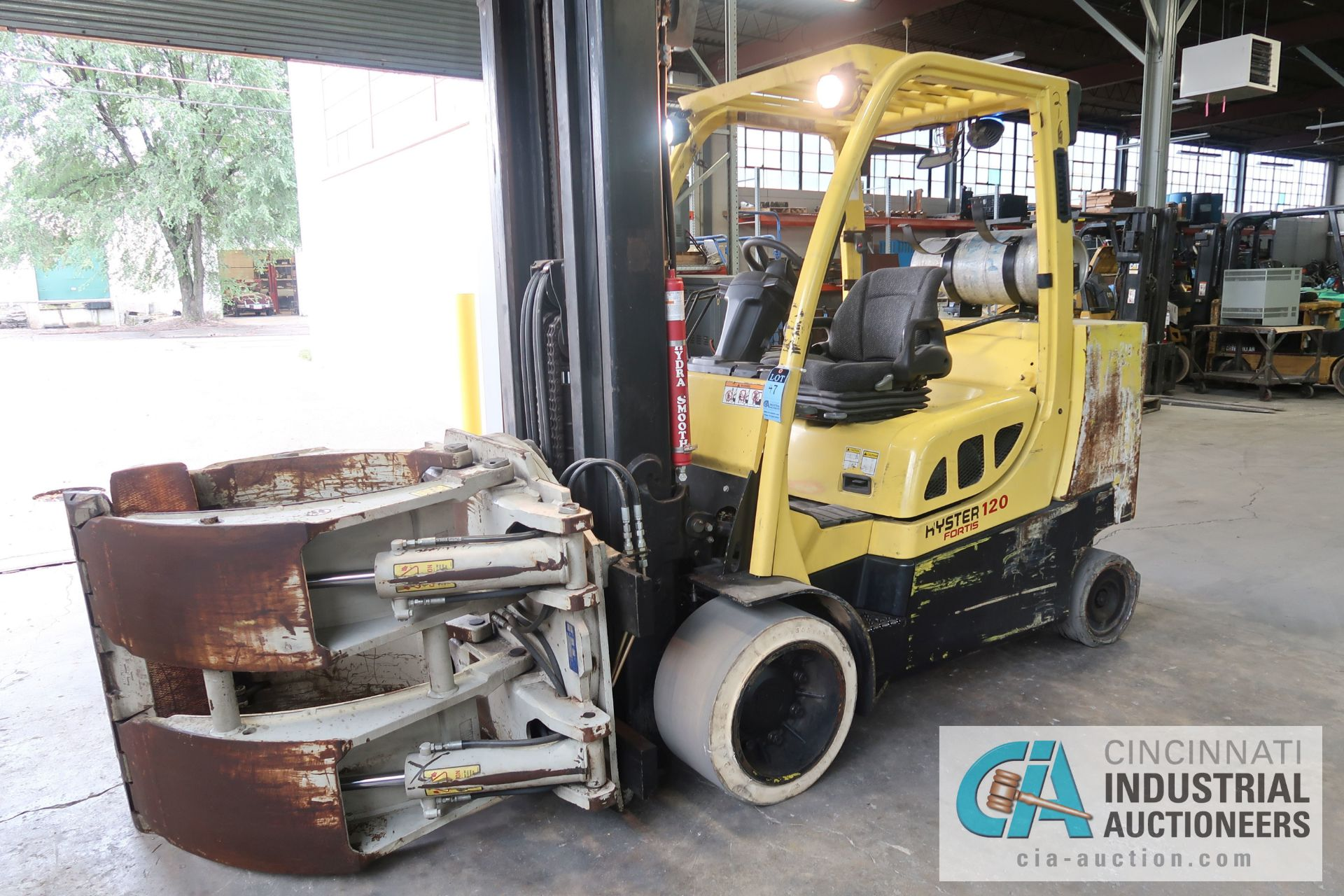 12,000 LB. HYSTER MODEL S120FT-PRS LP GAS CUSION TIRE THREE-STAGE MAST LIFT TRUCK; S/N - Image 5 of 12