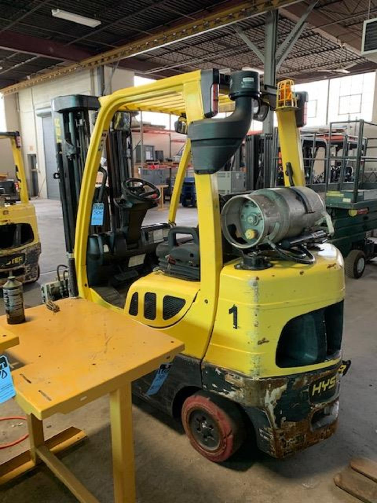 5,000 LB. HYSTER MODEL S50FT LP GAS CUSHION TIRE LIFT TRUCK; S/N F187V25800M - Image 4 of 12