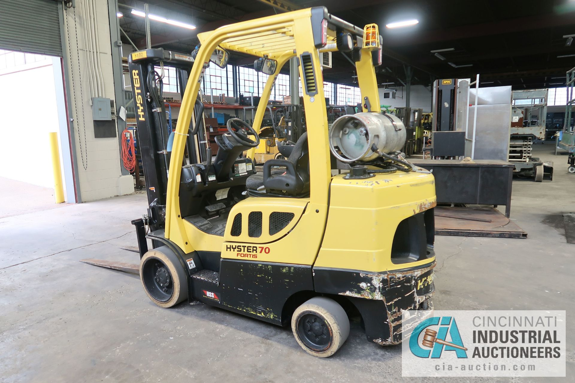 """7,000 LB. HYSTER MODEL S70FT LP GAS CUSHION TIRES TWO-STAGE MAST LIFT TRUCK; S/N H187V02305N, 122"""" - Image 4 of 8"""