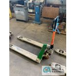 CROWN HYDRAULIC PALLET TRUCK