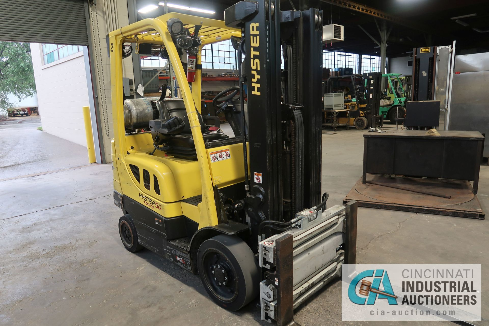 5,000 LB. HYSTER MODEL S50FT LP GAS CUSHION TIRE THREE-STAGE MAST LIFT TRUCK; S/N G187V01911M, - Image 2 of 9