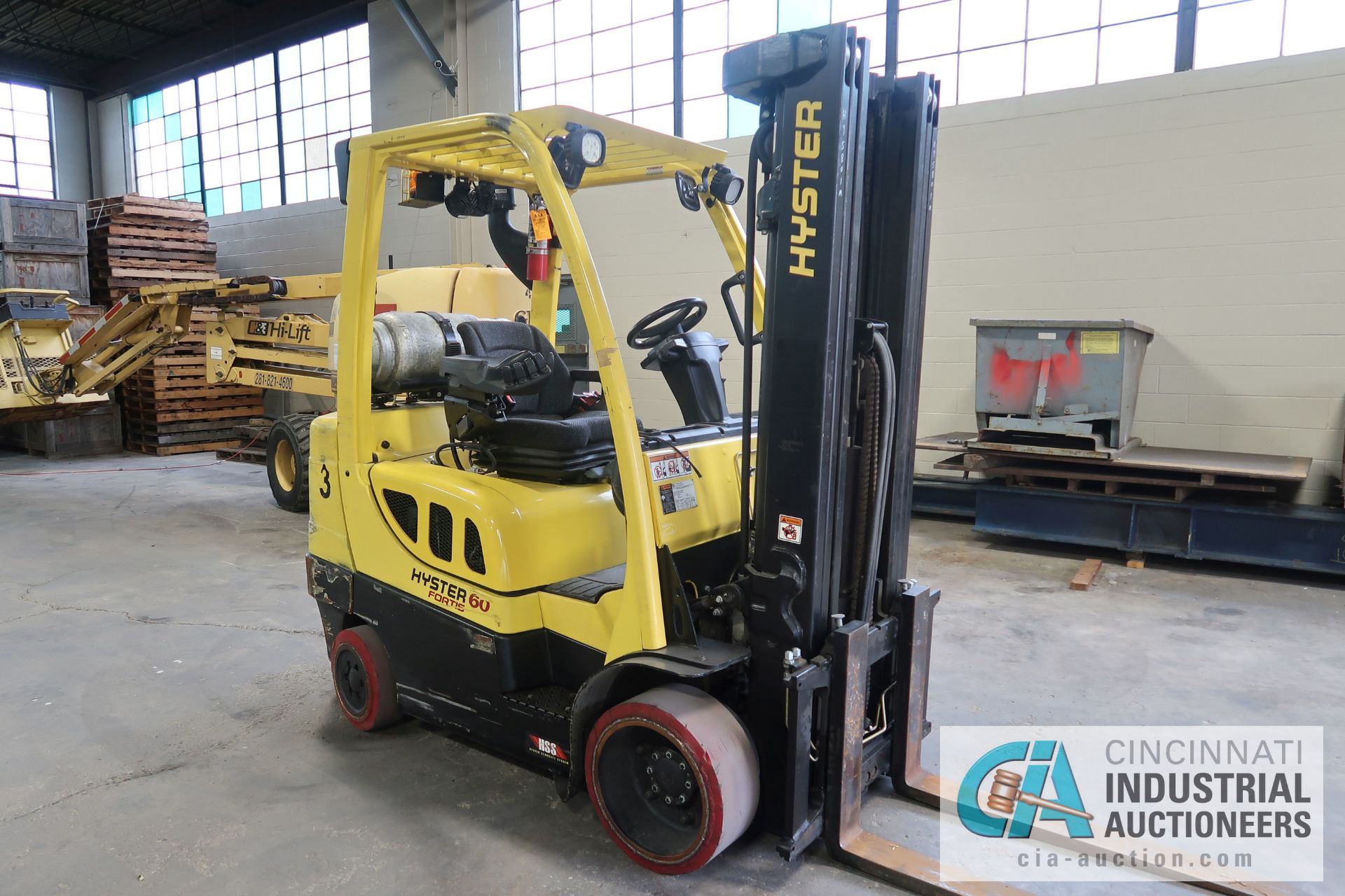 6,000 LB. HYSTER MODEL S60FT LP GAS CUSHION TIRE THREE STAGE MAST LIFT TRUCK; S/N F187V25801M, - Image 2 of 8