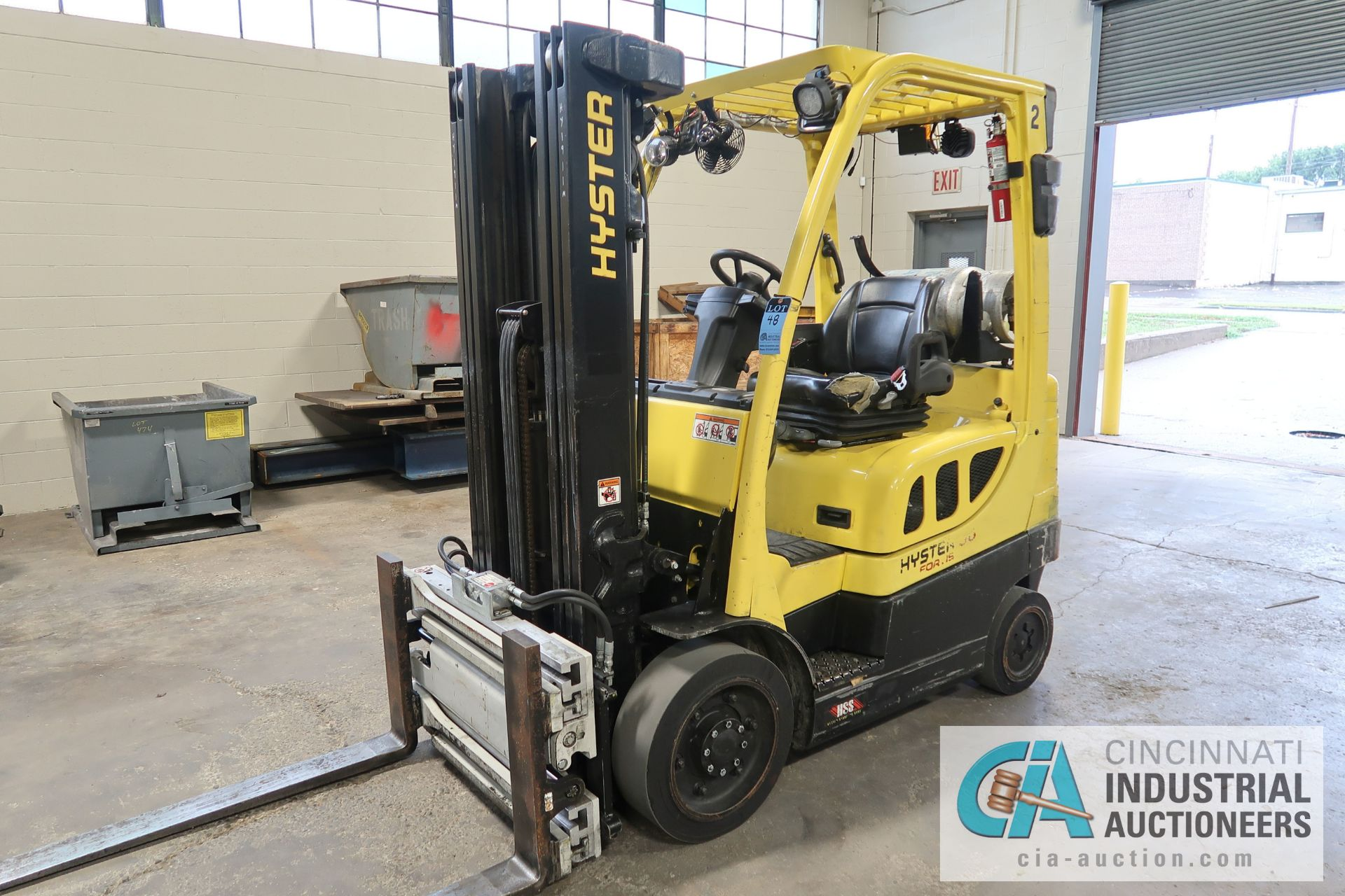 5,000 LB. HYSTER MODEL S50FT LP GAS CUSHION TIRE THREE-STAGE MAST LIFT TRUCK; S/N G187V01911M,