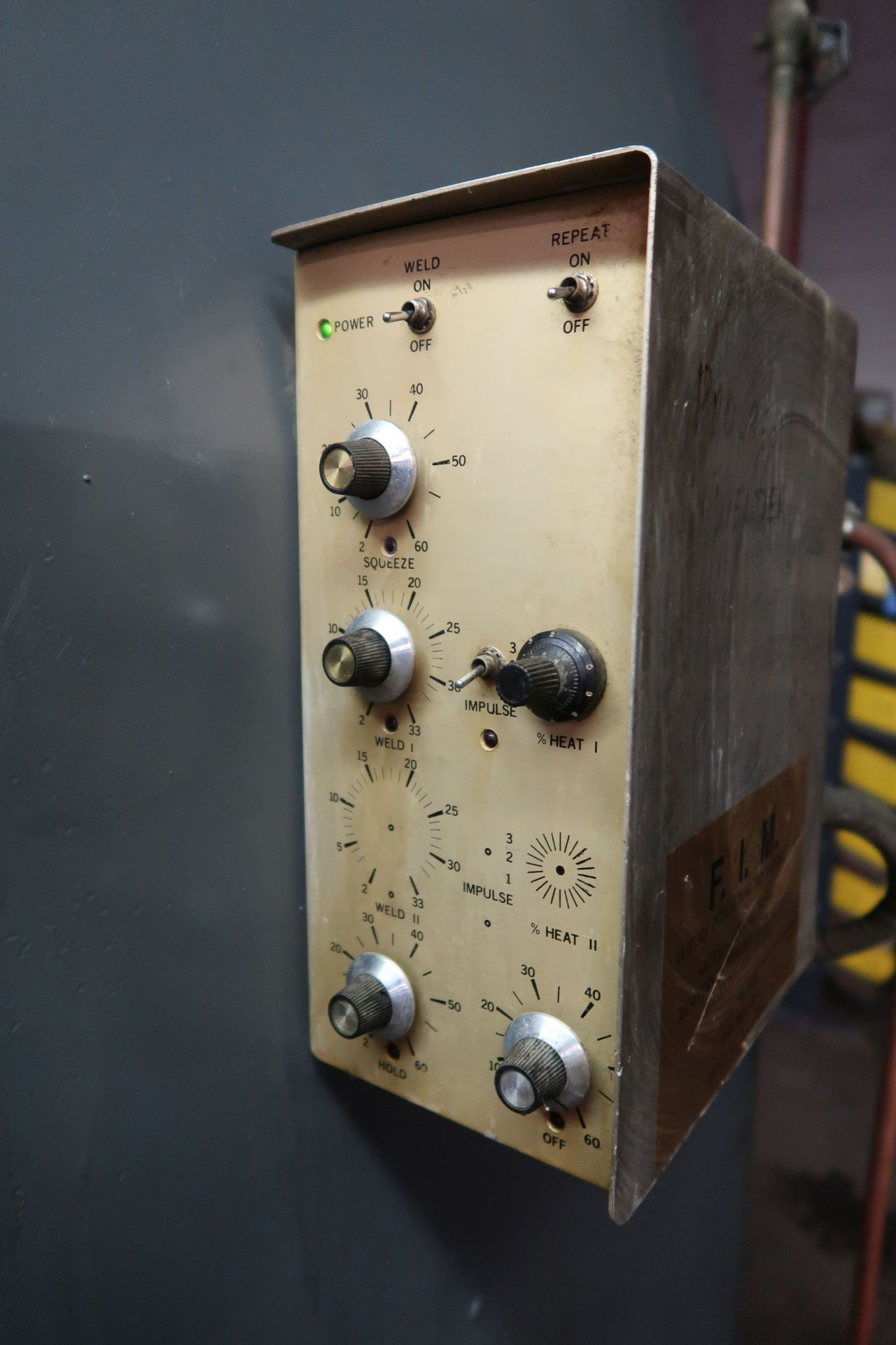"75 KVA FIM MODEL 516-002 PRESSHEAD TYPE SPOT WELDER; S/N RB061584, 20"" THROAT, 220 VOLTS - Image 5 of 8"