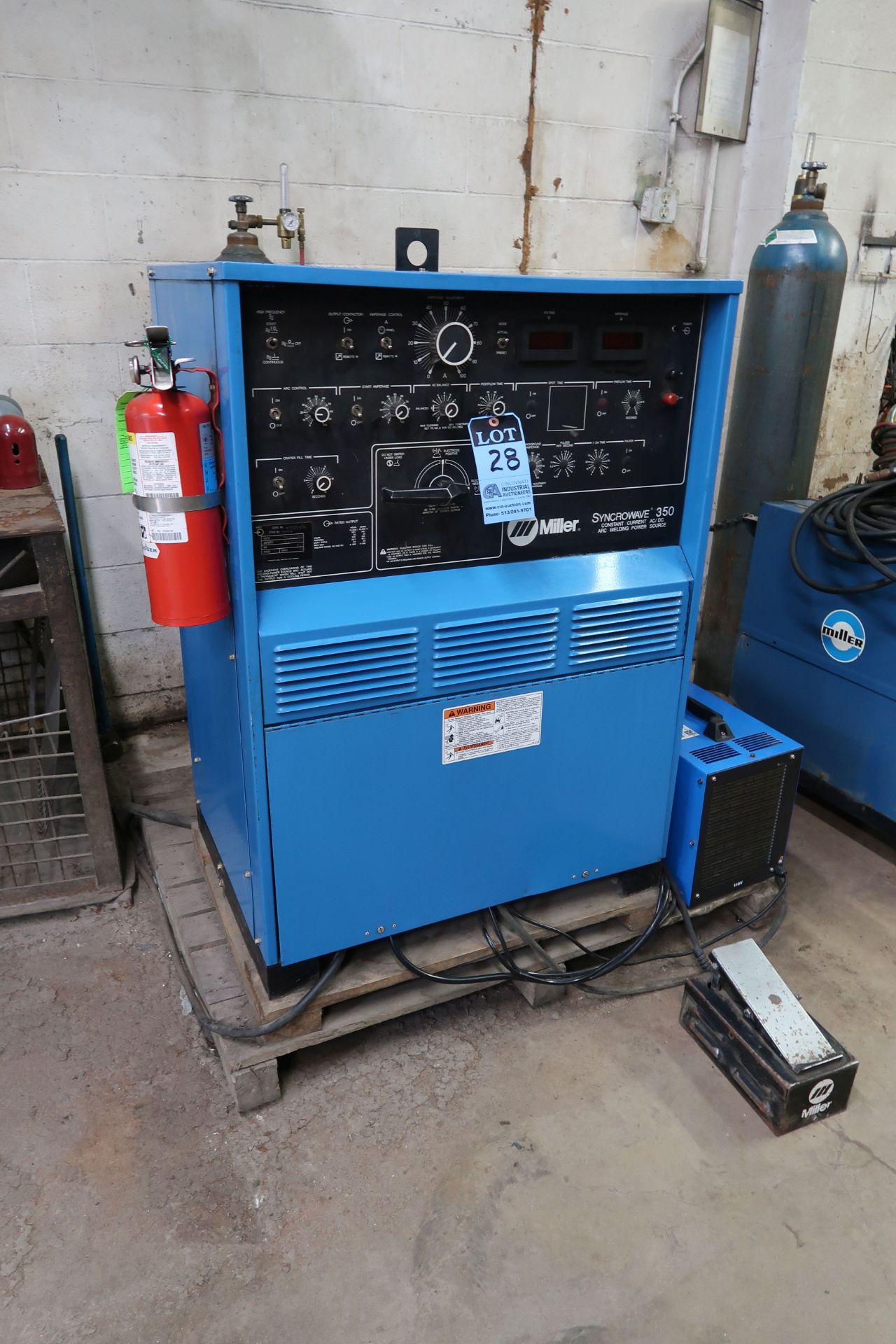 350 AMP MILLER SYNCROWAVE 350 CONSTANT CURRENT AC/DC ARC WELDING POWER SOURCE; S/N KA885504, WITH