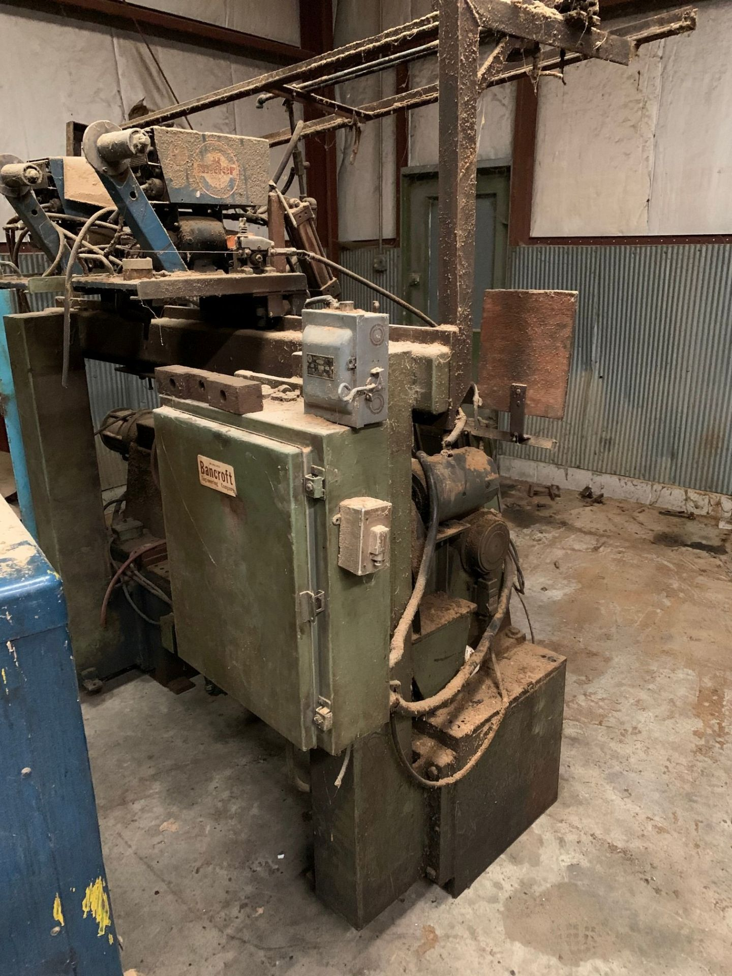BANCROFT TANK HEAD WELDER WITH MILLER POWER SUPPLY - Image 2 of 3