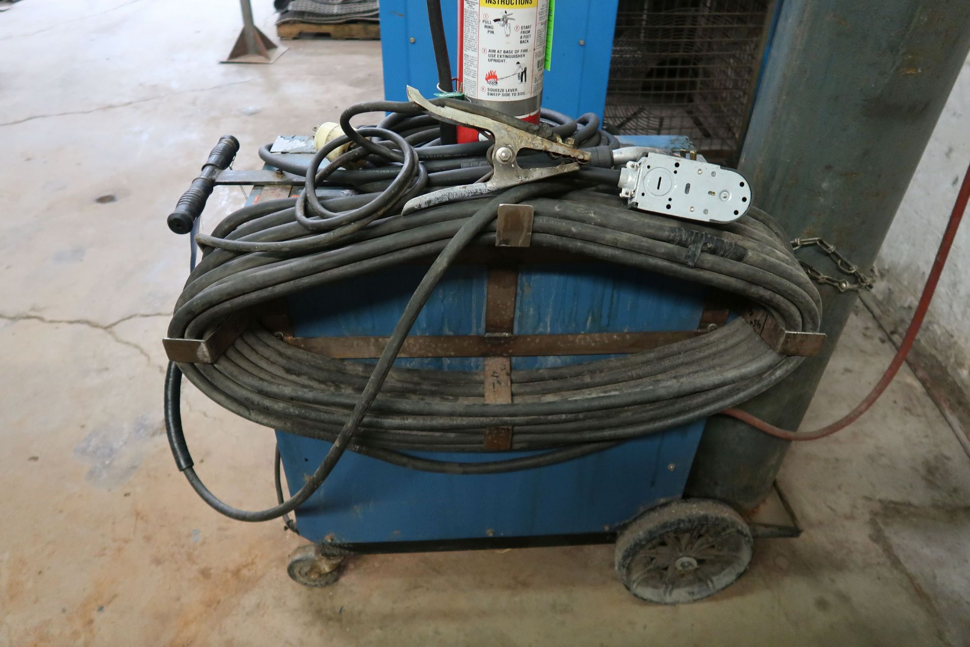 200 AMP MILLER MODEL MILLERMATIC 200 CONSTANT POTENTIAL DC ARC WELDING POWER SOURCE AND WIRE CONTROL - Image 4 of 5