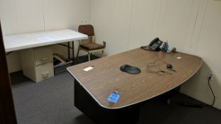(LOT) CONTENTS OF OFFICE; DESK, FOLDING TABLE, FILE CABINET, CHAIR