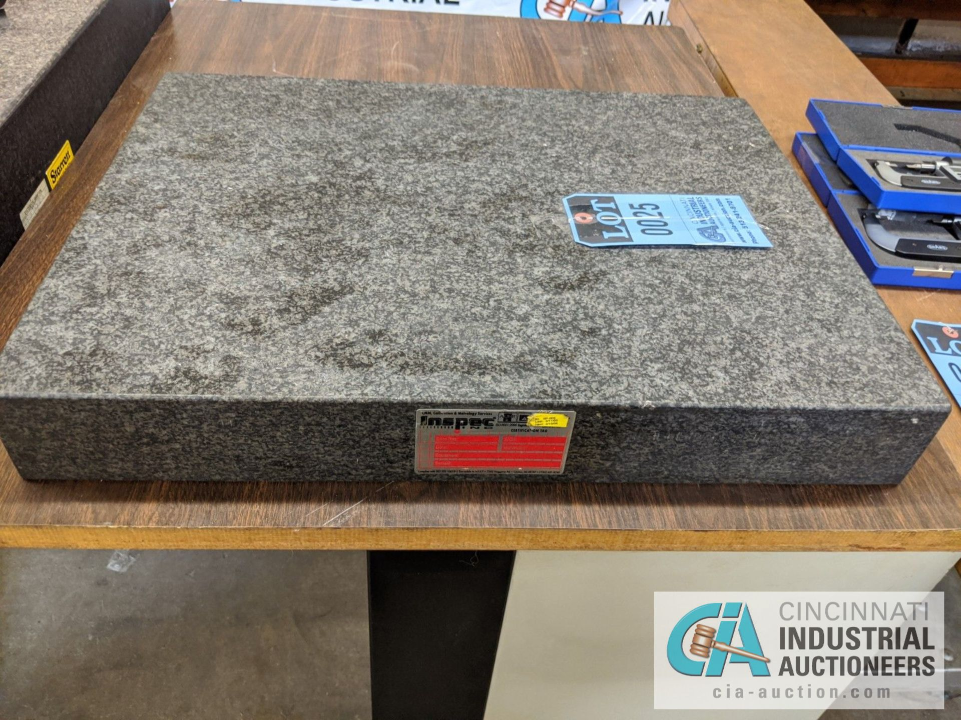 "18"" X 24"" GRANITE SURFACE PLATE WITH STAND - Image 3 of 3"