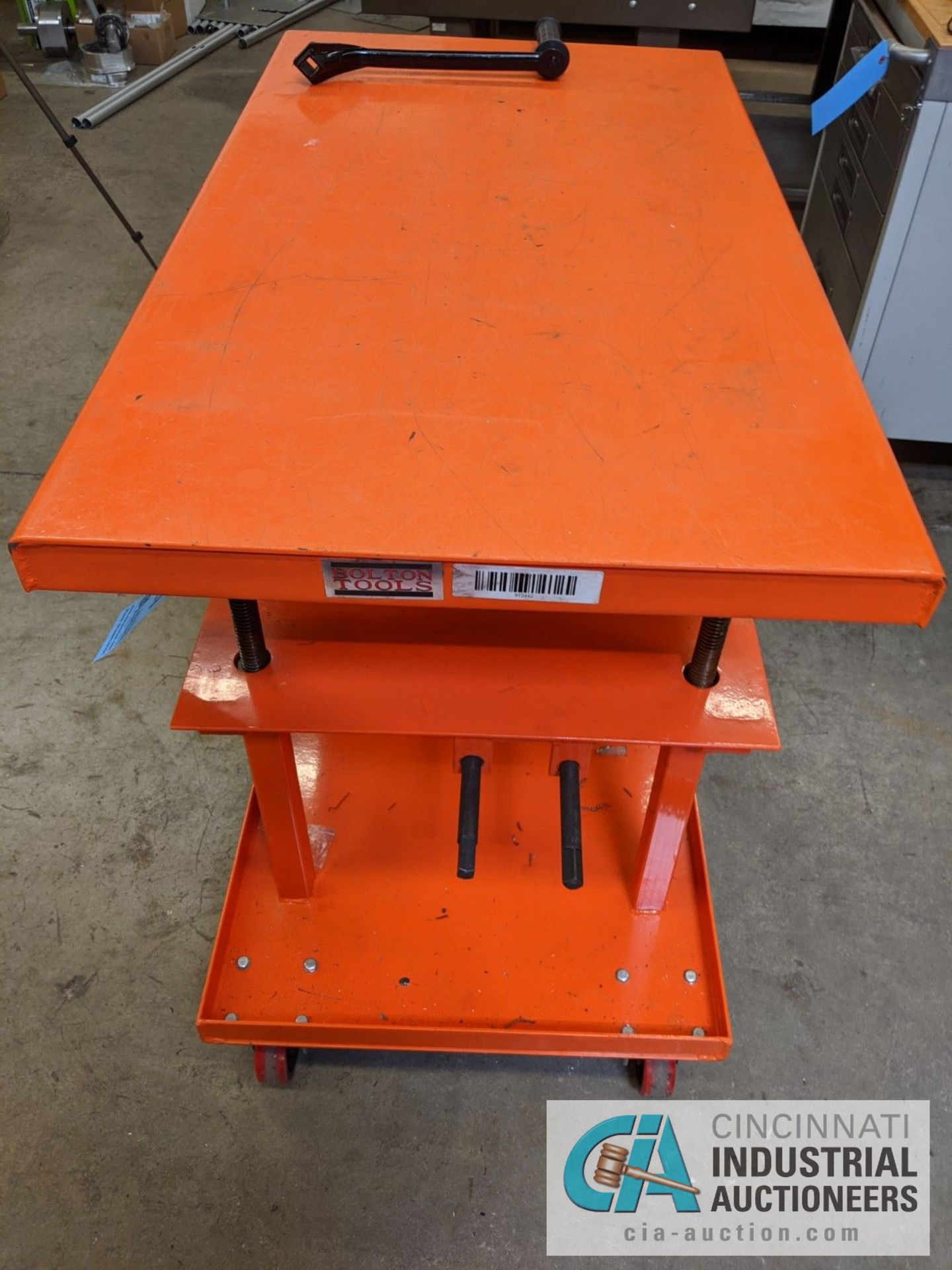 "2,200 LB. BOLTON TOOLS DIE LIFT CART, 24"" X 42"" TOP - Image 2 of 3"