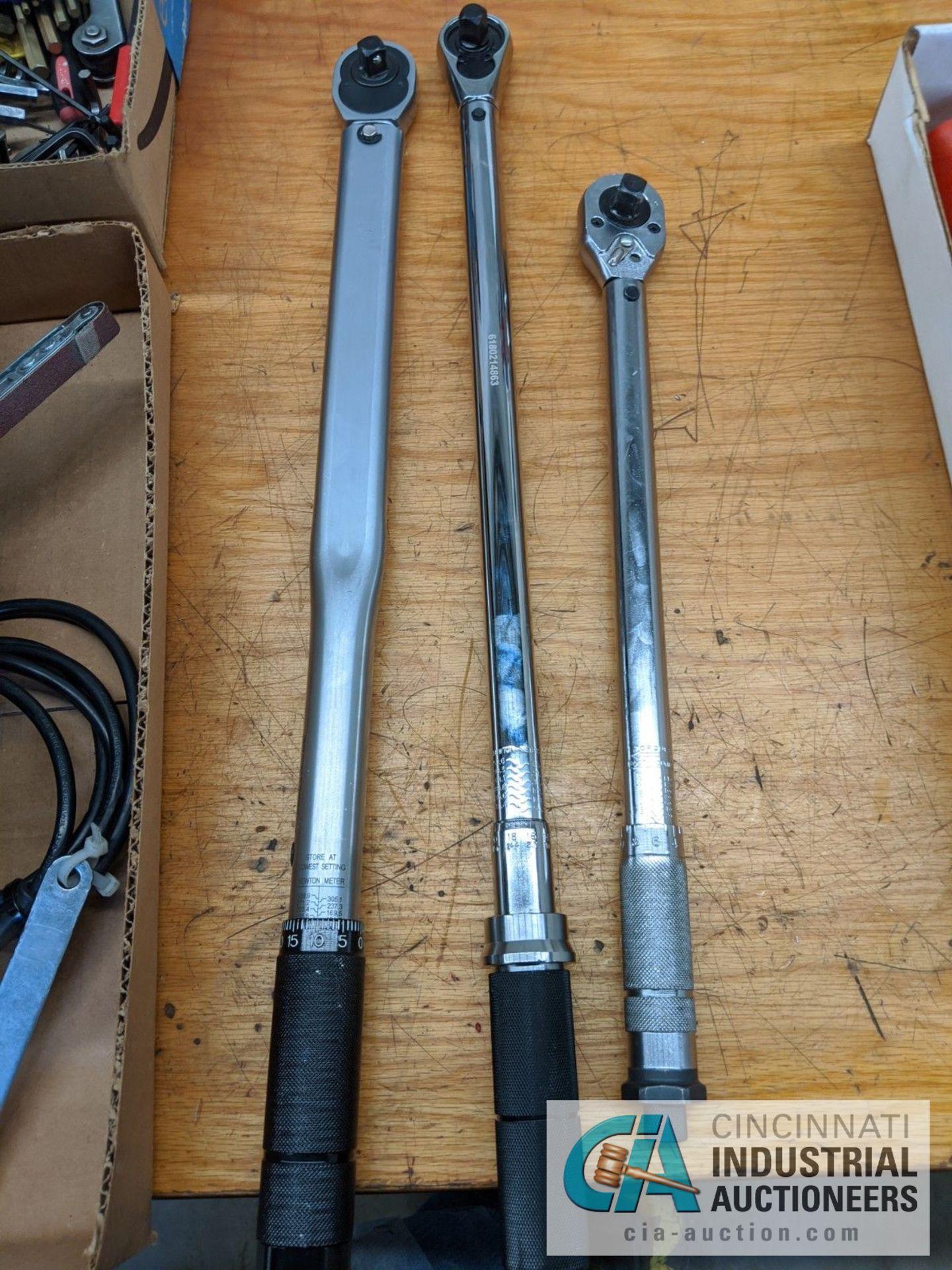TORQUE WRENCHES BY PITTSBURG, GEAR WRENCH AND TEKTON - Image 3 of 4
