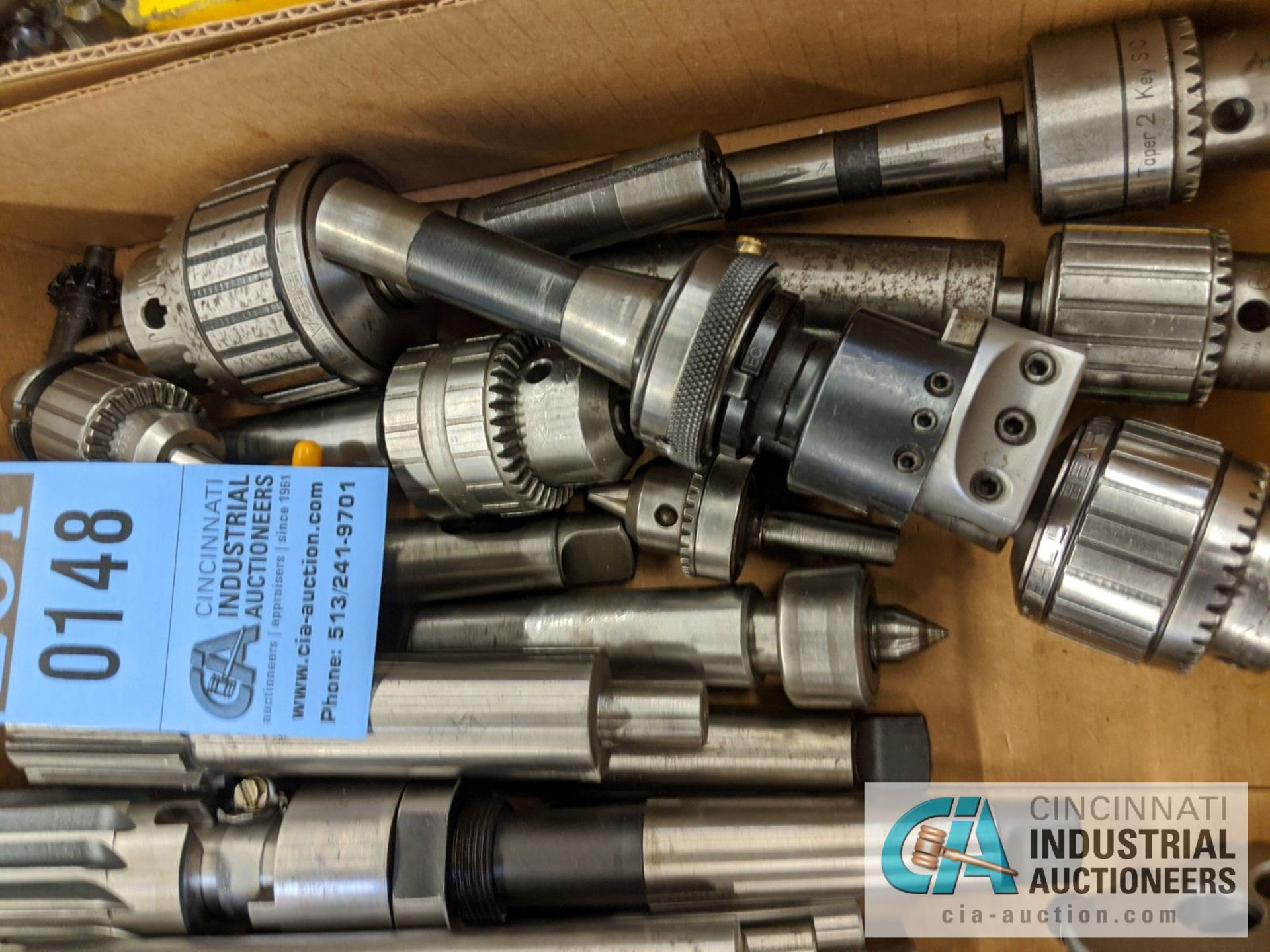 (LOT) BOX OF TOOLING; REAMERS, DRILL CHUCKS, LIVE CENTERS, ADJUSTABLE BORING HEADS - Image 2 of 4