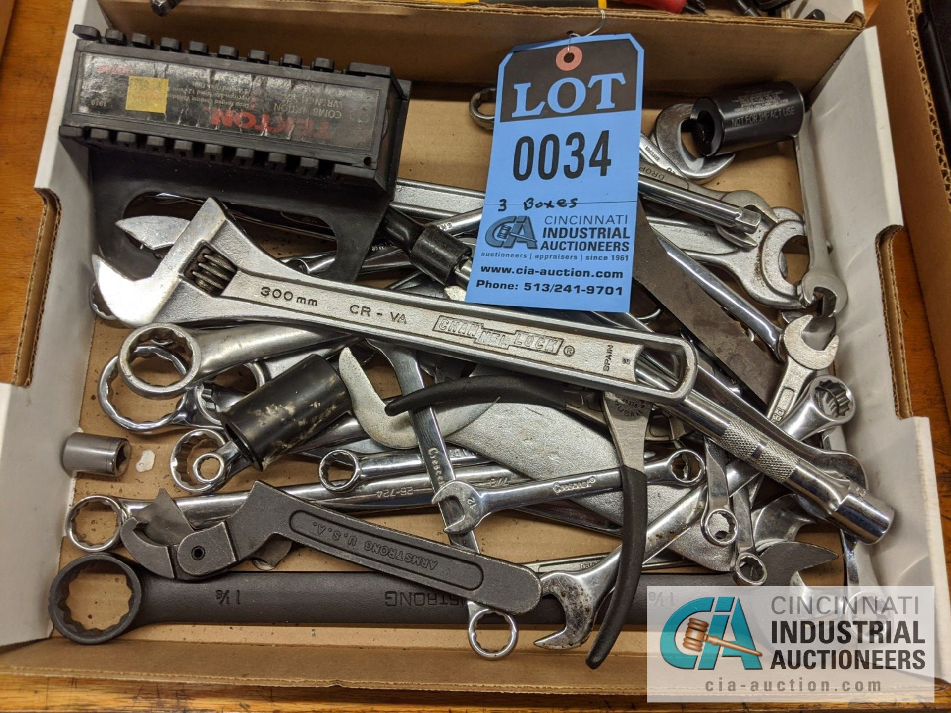 BOXES ASSORTED TOOLS; WRENCHES, SCREW DRIVER AND ASSORTMENT BOX - Image 2 of 4
